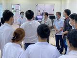 GS.TS.BS.Tạ Thành Văn hỗ trợ Bắc Ninh chống COVID-19 (Ảnh - Phạm Thành Nguyên)