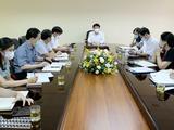 Toàn cảnh buổi làm việc của Thứ trưởng Bộ Y tế Trương Quốc Cường với Trung tâm Kiểm soát bệnh tật thành phố Hà Nội (Ảnh - Trần Minh)
