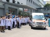 Đoàn công tác gồm 9 bác sĩ, điều dưỡng của Bệnh viện Hữu Nghị tình nguyện lên đường chi viện cho Tiền Giang chống dịch (Ảnh - BVCC)