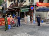 Chốt kiểm soát dịch COVID-19 ở phố Hoè Nhai (Ảnh - UBND Q. Ba Đình)