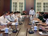 Bộ trưởng Bộ Y tế Nguyễn Thanh Long phát biểu tại cuộc họp (Ảnh - BYT)