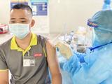 Người dân được tiêm vaccine COVID-19 (Ảnh - VNVC)