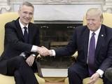Tổng thống Hoa Kỳ Donald Trump và Tổng thư ký NATO Jens Stoltenberg.