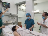 Bệnh nhân hiện đã tỉnh táo, đang dần phục hồi sức khỏe. Ảnh: BVCC