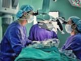 BV Nhi đồng 1 TP.HCM dùng kỹ thuật cao nối da đầu tróc lộ sọ cho bệnh nhi. Ảnh: Internet
