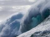 Đại dương đang nóng lên từng giây, đe dọa sự sống của nhiều loài sinh vật biển, gây ra các cơn bão với cấp độ mạnh. Ảnh: AFP