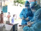 Xét nghiệm COVID-19 trong cộng đồng. Ảnh: HCDC
