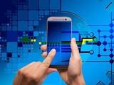 Nhiều hoạt động nghiệp vụ của doanh nghiệp giờ có thể thao tác trên điện thoại. Ảnh: Pixabay
