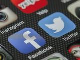 Facebook và Twitter đang là mục tiêu tẩy chay quảng cáo của các doanh nghiệp. Ảnh: Press Gazette