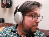 AirPods Max không thể phát nhạc lossless trên Apple Music (Ảnh: The Verge)