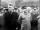 A. Kosygin (trái)-người ủng hộ sáng kiến của J.Stalin (phải) thử nghiệm áp dụng cơ chế thị trường trong quản lý kinh tế ở Liên Xô (Ảnh: TASS).