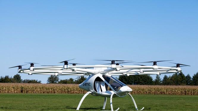 Volocopter: 'drone' 18 cánh quạt có thể chở người, động cơ điện, tốc độ tối đa 100 km/h