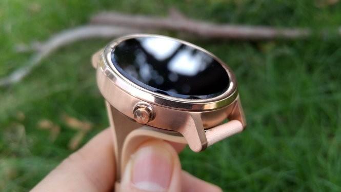 Đồng hồ thông minh (smartwatch) Motorola Moto 360 (2015) vàng hồng