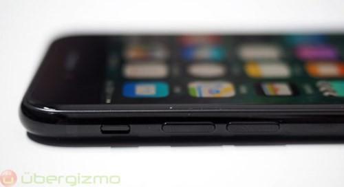 iPhone 7 ì ạch... sạc pin