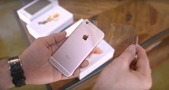 iPhone 6s lock giá rẻ ngập kệ Việt: Mua hay không?