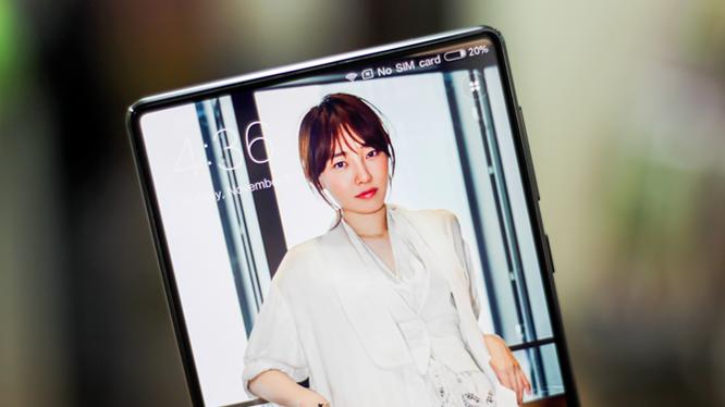 Trên tay Xiaomi Mi MIX độc nhất Việt Nam giá 30 triệu