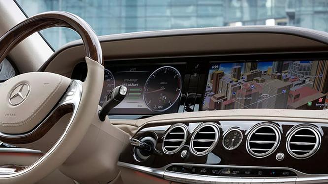 Hệ thống âm thanh Harman trên xe Mercedes.