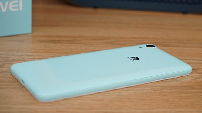 Mở hộp Huawei Y6II xanh ngọc giá 3 triệu vừa lên kệ
