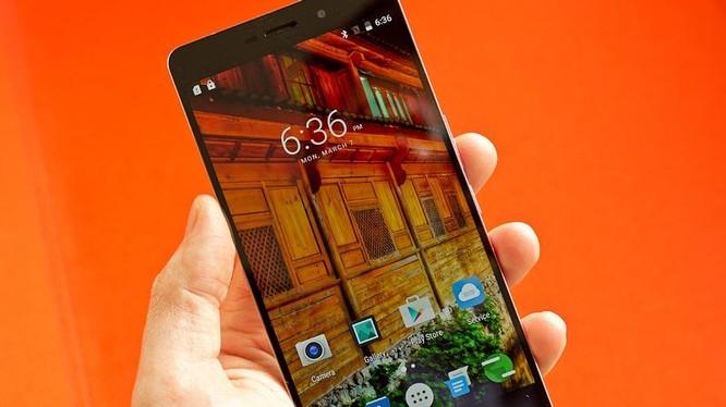 Elephone úp mở loạt tính năng mới cho P9000