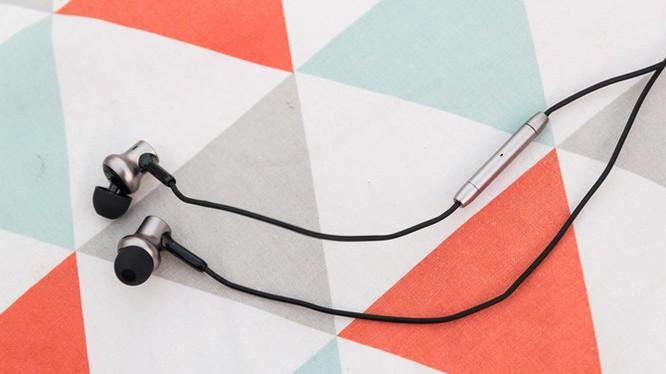 Mở hộp tai nghe Xiaomi Piston Pro giá 750.000VND
