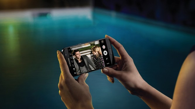 Camera selfie trên Galaxy S8 hỗ trợ Autofocus