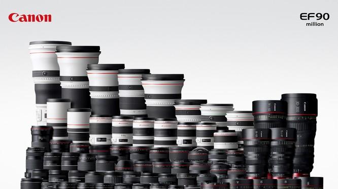 Canon khoe ý tưởng ống kính 2-trong-1