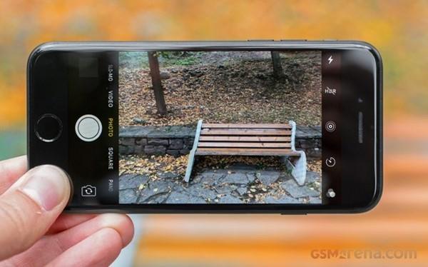 Sharp cung cấp màn hình OLED cho iPhone