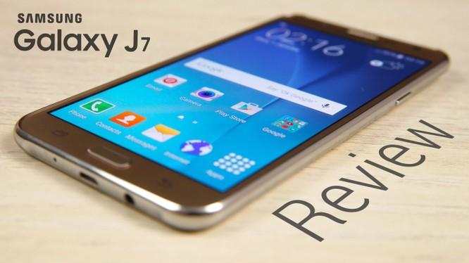 Samsung Galaxy J7 2017 lộ cấu hình