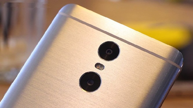 Xiaomi Redmi Pro 2: camera kép, pin 4.500mAh, giá 5,2 triệu