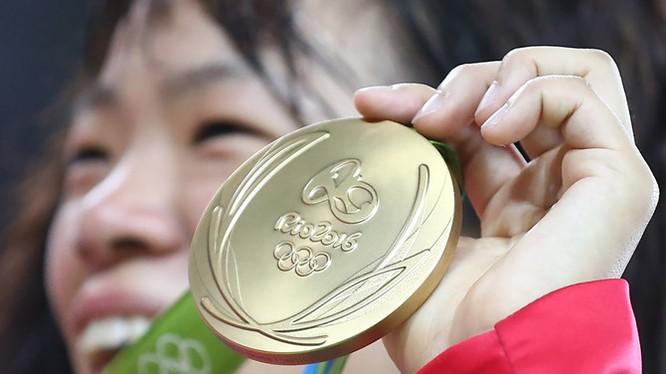 Nhật Bản đi đầu chế tác huy chương Olympic từ rác thải điện tử