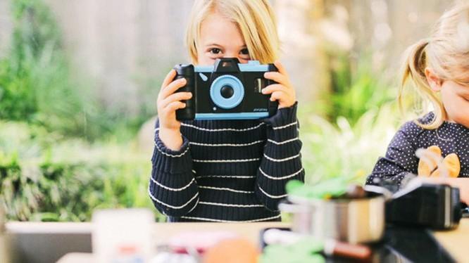 Dạy trẻ chụp ảnh với phụ kiện Pixlplay giá 25USD