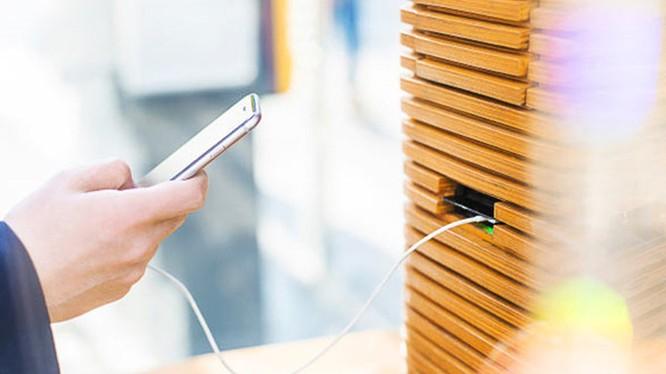 Dùng trạm sạc công cộng dễ bị hack điện thoại