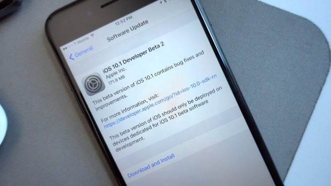 iOS 10.2.1 sửa lỗi iPhone 6S tự tắt nguồn