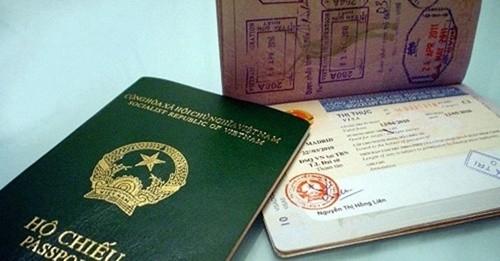 Hộ chiếu và visa là hai giấy tờ quan trọng cho một chuyến du lịch nước ngoài