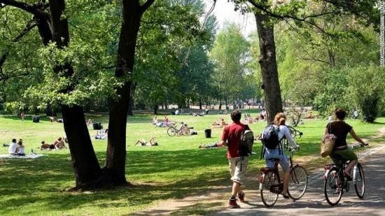 Tiergarten Park là một công viên ưa thích của những tín đồ khỏa thân ở Đức.