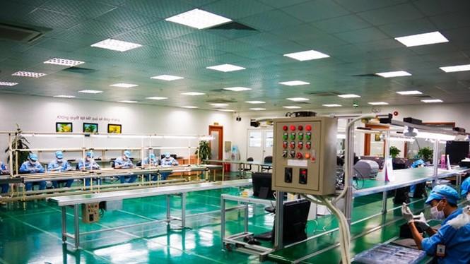 Một góc nhà máy sản xuất Bphone của BKAV