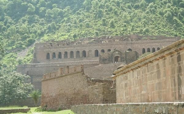 Lâu đài ma ám Bhangarh thuộc Alwar bang Rajasthan (Ấn Độ).