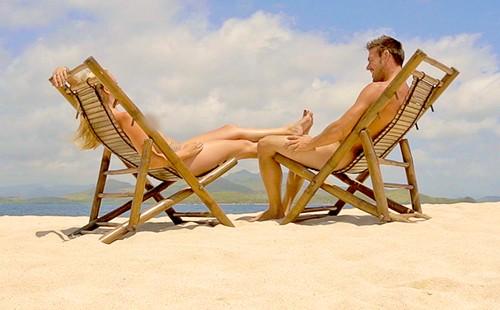 Tháng 7 năm ngoái, lần đầu tiên 'Dating Naked' được phát sóng trên kênh VH1 và nhận được không ít lời chỉ trích của dư luận