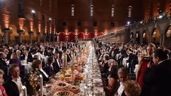 Quang cảnh hoàng tráng của Nobel banquet 2015