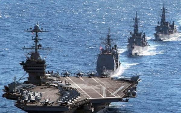 Tàu sân bay USS Theodore Roosevelt thuộc Hạm đội 5 Hải quân Mỹ