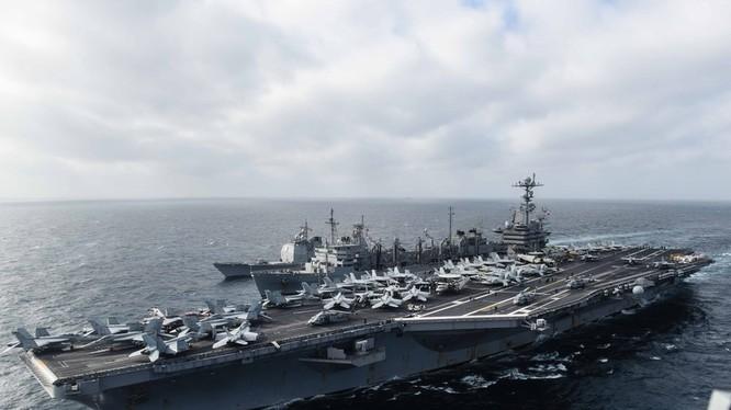 Chùm ảnh mới nhất về hoạt động hạm đội tàu sân bay Mỹ trên Biển Đông