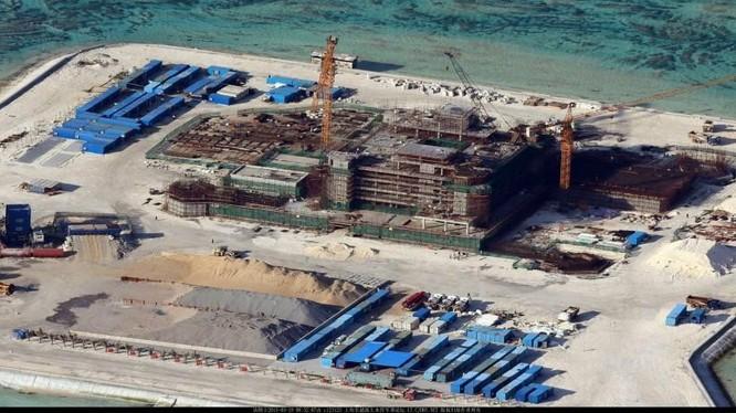 Trung Quốc ngang nhiên cải tạo, bồi đắp các bãi đá trên biển Đông