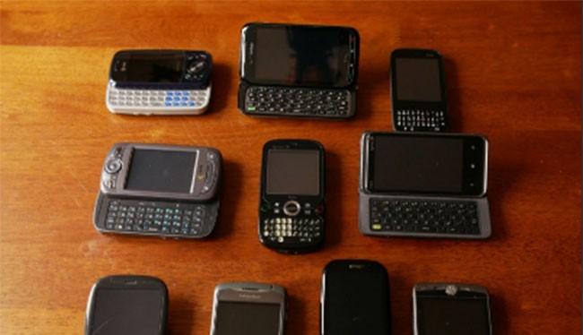 10 chiếc điện thoại với thiết kế bàn phím lạ lùng (ảnh: Phone Arena)