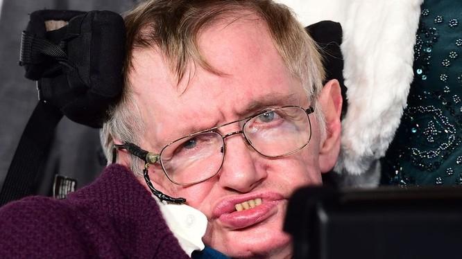 Thiên tài vật lý - giáo sư Stephen Hawking. Nguồn ảnh: Mirror.co.uk