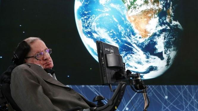 Stephen Hawking (ảnh: Yahoo)