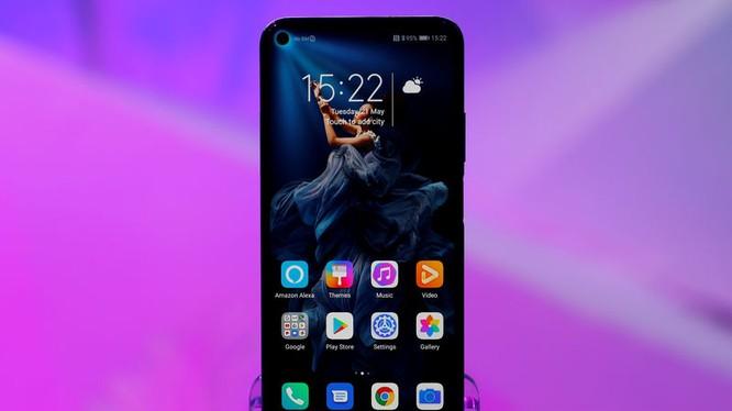 Điện thoại thông minh Honor 20 của Huawei tại một sự kiện ra mắt sản phẩm ở London, ngày 21.5.2019. Ảnh: Reuter