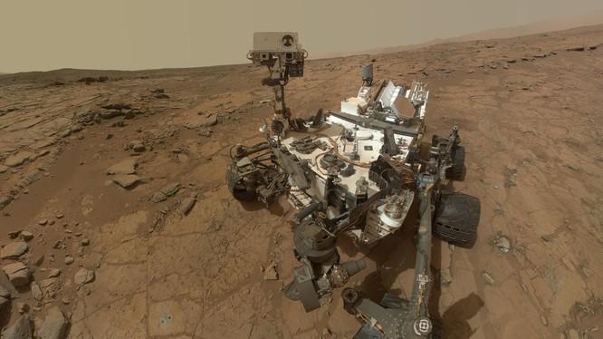 Robot Curiosity làm việc trên bề mặt Sao Hỏa được chụp vào ngày 12.5.2019. Ảnh:TechCrunch