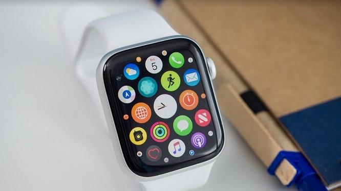 Kể từ ngày 1/9, nhiều sản phẩm của Apple sẽ bị đánh thuế, trong đó có đồng hồ thông minh Apple Watch. Ảnh: Phone Arena