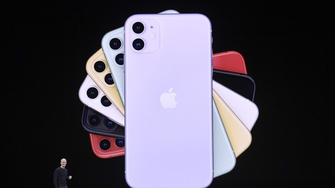 Tim Cook, CEO của Apple trong sự kiện ra mắt iPhone 11 được tại California, Mỹ. Ảnh: China Daily
