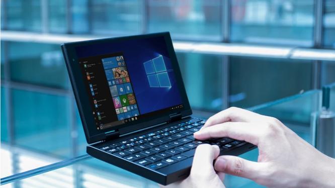Peakago là một thiết bị lai giữa máy tính bảng và máy tính xách tay. Ảnh: SCMP